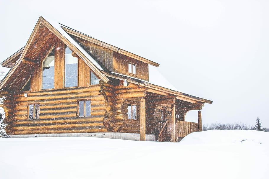 Hyra stuga vid jul och fira i ett vinterlandskap